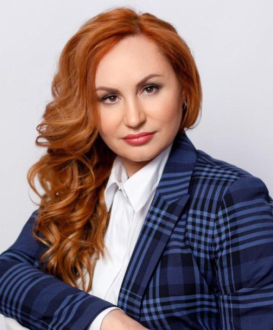 Елена Леонтьева - кандидат юридических наук, доцент
